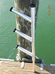 121 - Vertical Rod Holder Tree - 3 Rods Wahoo  1/19